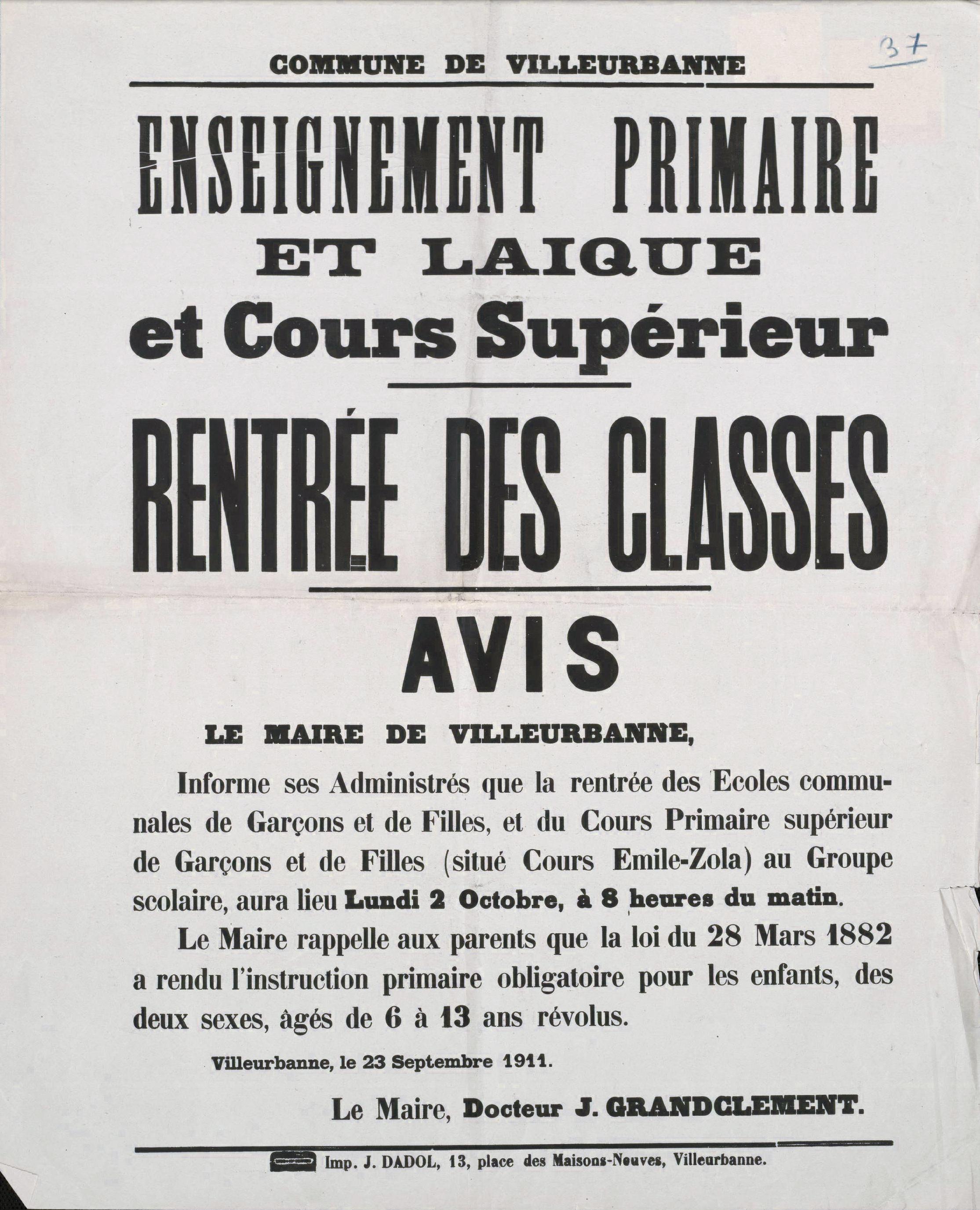 Affiche annonçant la rentrée des classe de 1911. Archives municipales de Villeurbanne / Le Rize, 8 Fi 104.