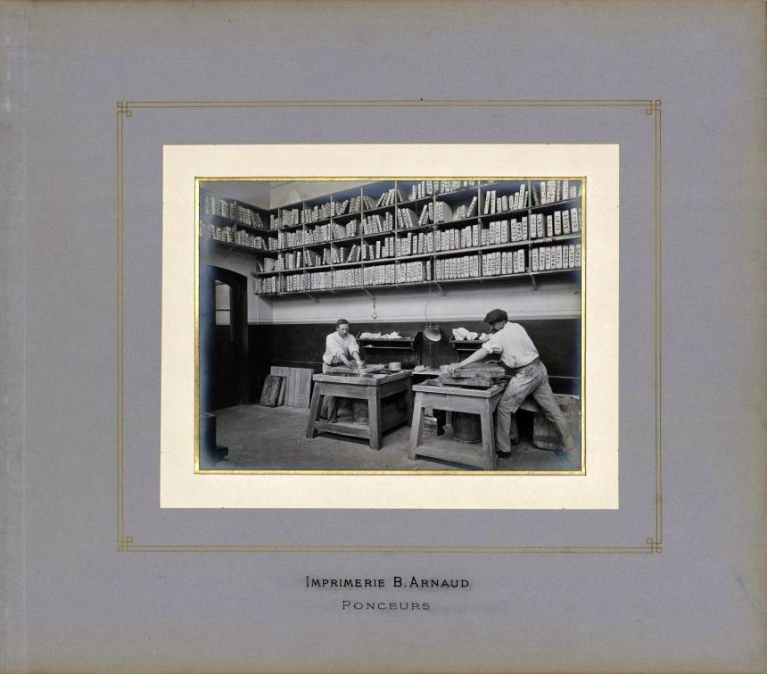 Imprimerie Arnaud, Ponceurs. Archives municipales de Villeurbanne / le Rize, 19 Fi 435