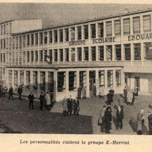 Photographie de l'école Edouard-Herriot [inaugurée en 1959], Bulletin Municipal Officiel de Villeurbanne, novembre-décembre 1959,p.7681. Archives municipales de Villeurbanne / Le Rize.