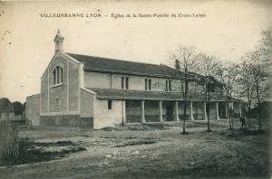 Le bâtiment primitif de la Sainte-Famille avant 1926 (2Fi561, AMV)