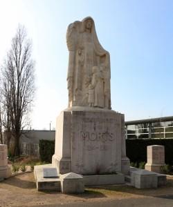 Monument aux morts dans l'ancien cimetière en 2018 (Ph. Hyvert)