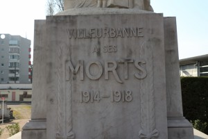 Le socle du monument dans l'ancien cimetière (ph. Hyvert)