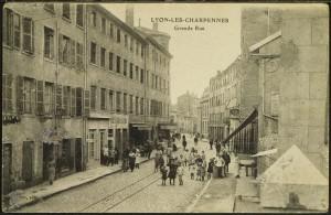 La grande rue des Charpennes (actuelle rue Gabriel Péri) vers 1920