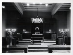 Inauguration (24 mai 1964) : vue intérieure de la synagogue (photo don Kahn)