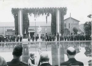 inauguration du monument aux morts de la libération le 8 septembre 1946 (21Fi84d)