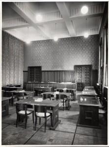 La salle du Conseil en 1933 (photo Sylvestre) (4Fi410)