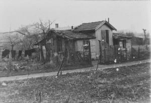 une baraque à Villeurbanne, rue René : don G. Travin