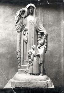 maquette du monument aux morts de la guerre de 1914/1918, ancien cimetière de Cusset (1M130)
