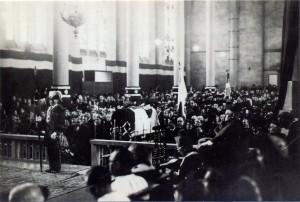 Messe 12 novembre 1944 en l'église Sainte-Thérèse (cl. Excler)
