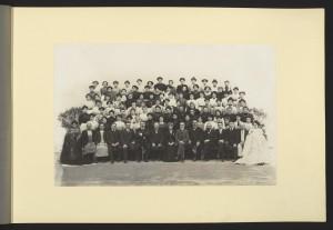 Maison Dognin : le personnel de l'atelier dentelles-raccomodage-ressuivage en 1910