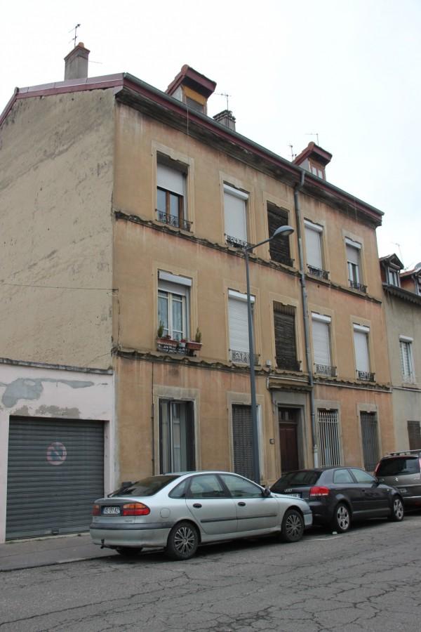 L'immeuble 10, rue Louis Ducroize (ancienne rue du Gaz). (photo : IQMP).